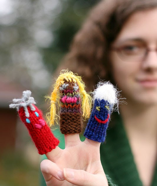 Finger Knitting With 3 Pieces