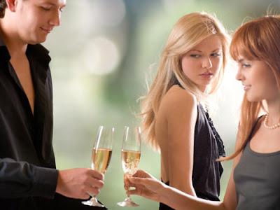 No estoy viendo a mi novio... se me antojo el alcohol...
