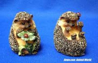 brambles and clover hedgehog salt pepper figurines