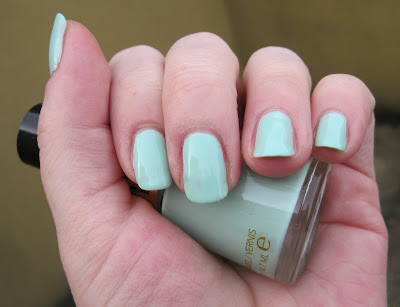Revlon Minted Nail Varnish