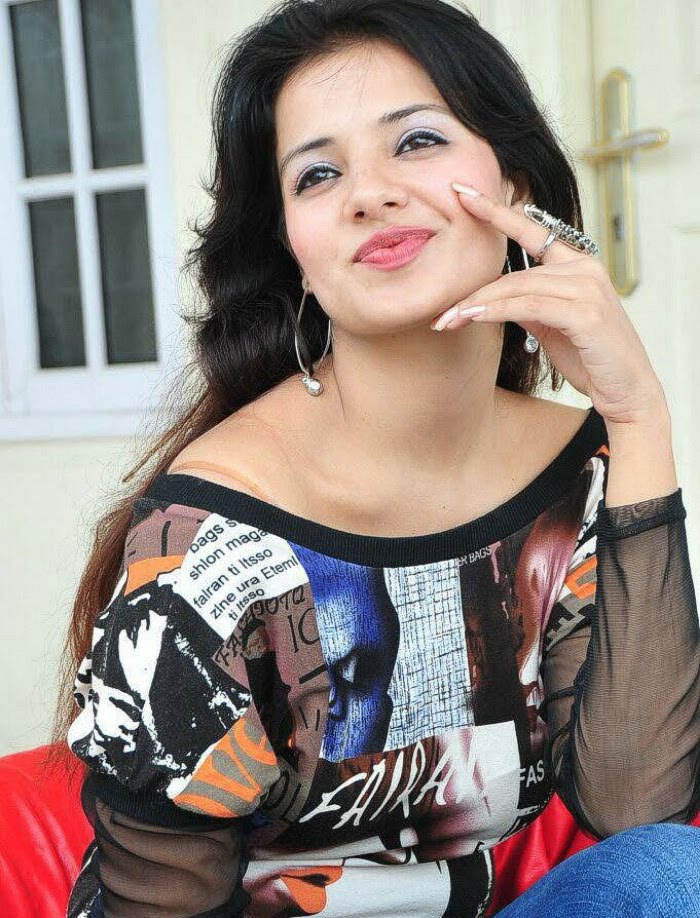 Saloni Aswani Photos
