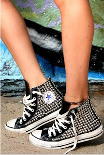GREAT STUFF I'VE FOUND: D I Y  Studded Sneakers