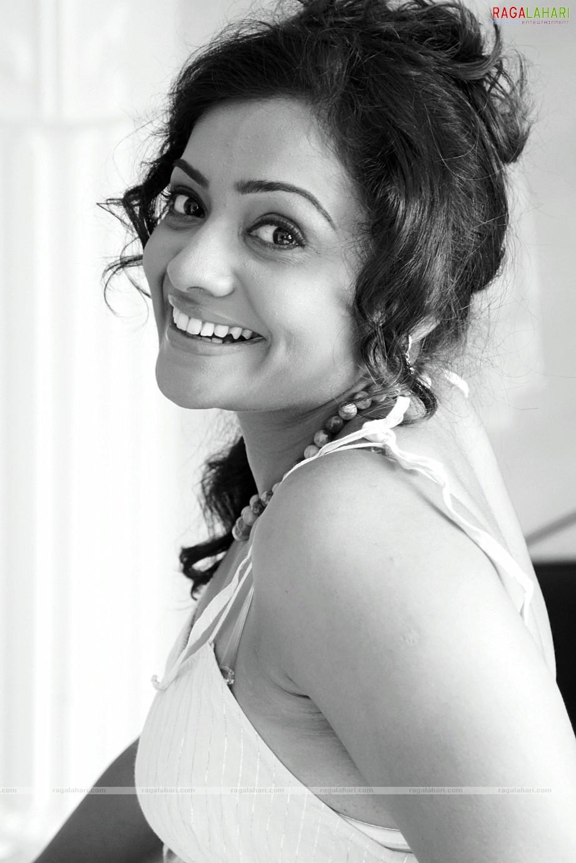 Meera Sexy Photo