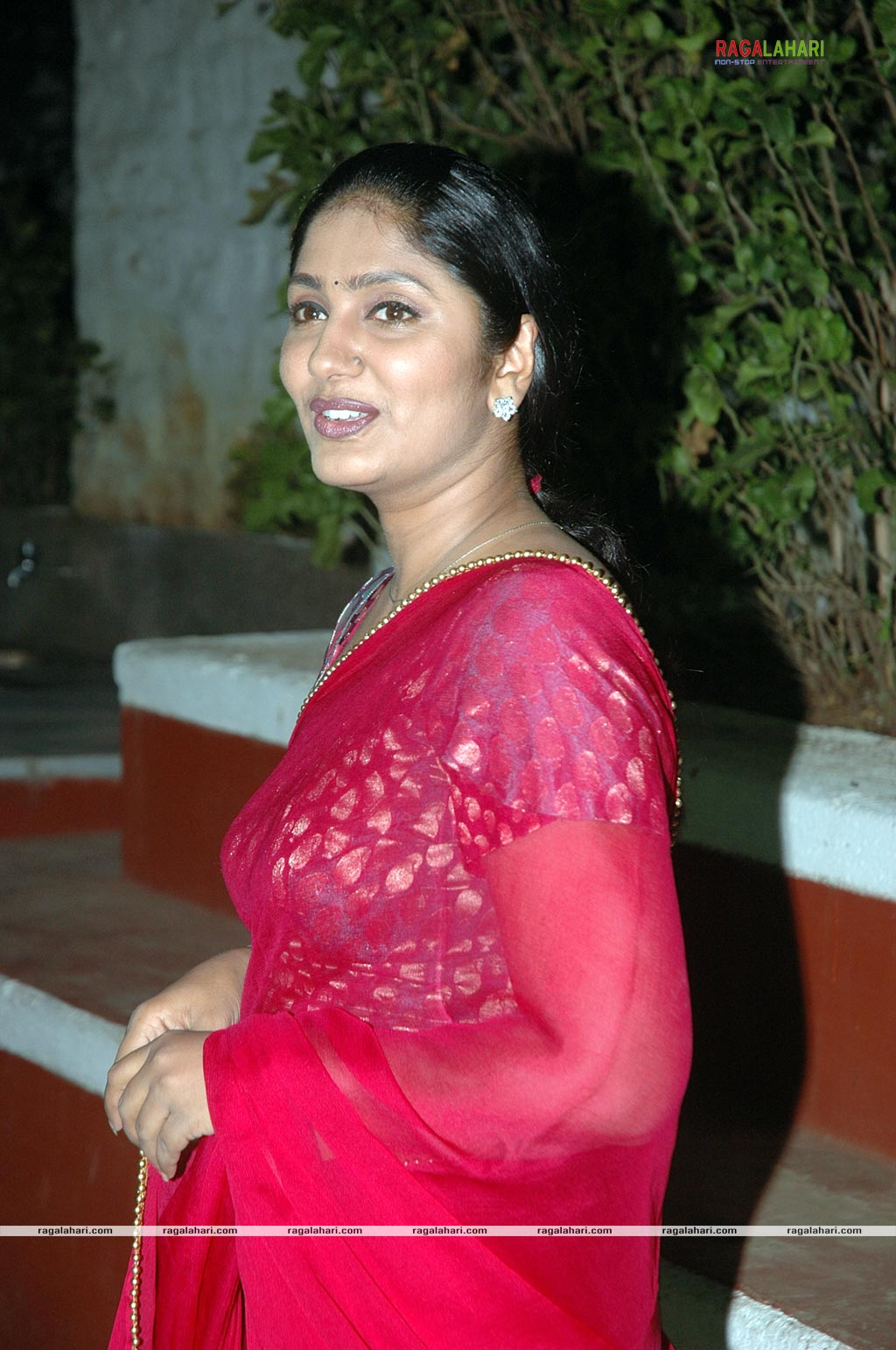 Anchor jhansi nude images-3285