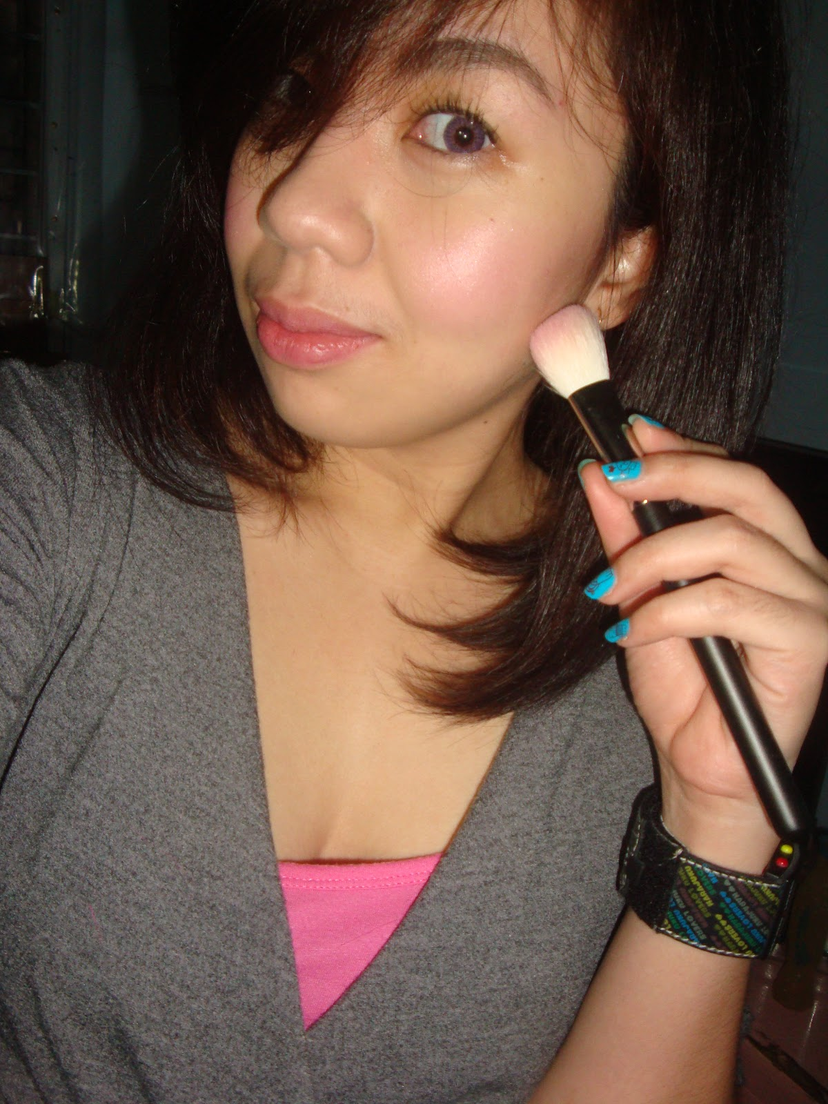 Mac 168 Large Angled Contour Brush: Your Little Beauty Bag: Brush Review:Mac 168 Angled