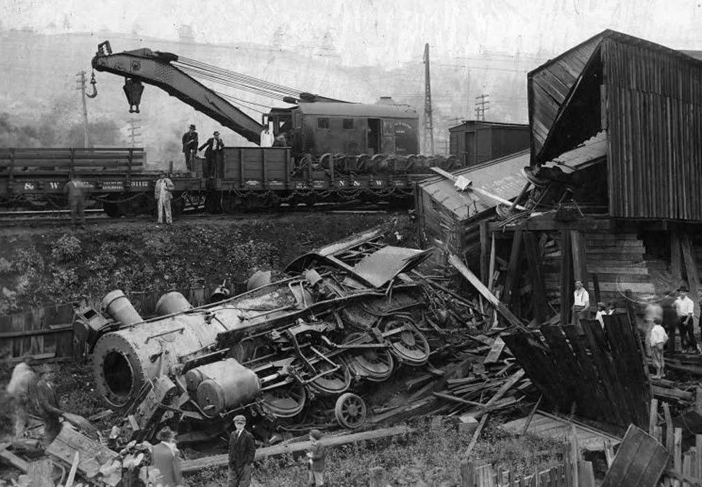 PHOTO Lot of 5 - Railroad Train Wreck - Attica NY 1949 ...  |Rail Road Train Wreck