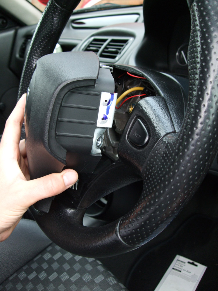 Little guide - Removing steering wheel and airbag - MG-Rover