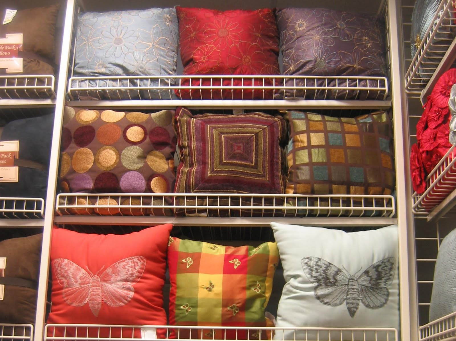 The Red Chair Blog: More Steinmart Pillow Fun
