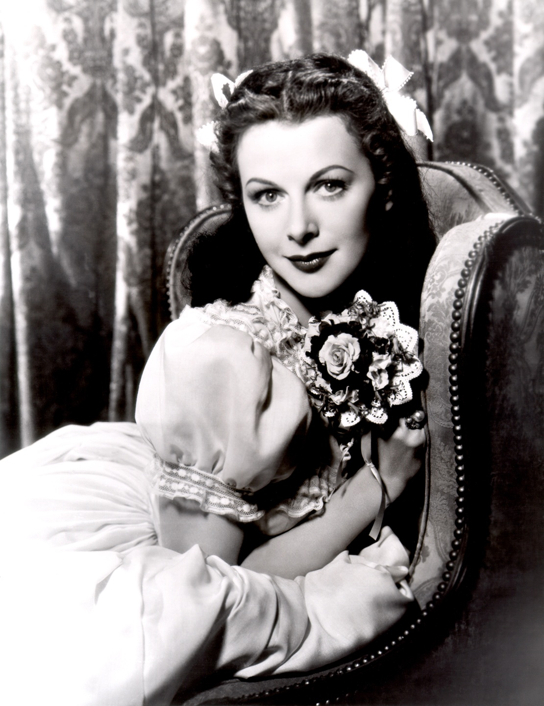 Love those classic movies in pictures hedy lamarr for Classic love pictures