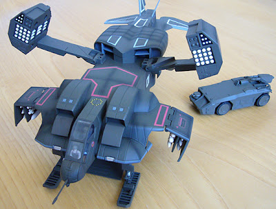 P3 Photo Blog Aliens Dropship Toy