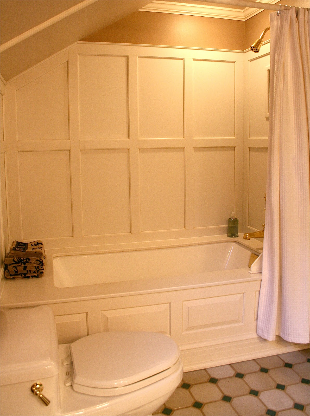 Antiqueaholics bathtub surround paneled with corian - Shower wall material ideas ...