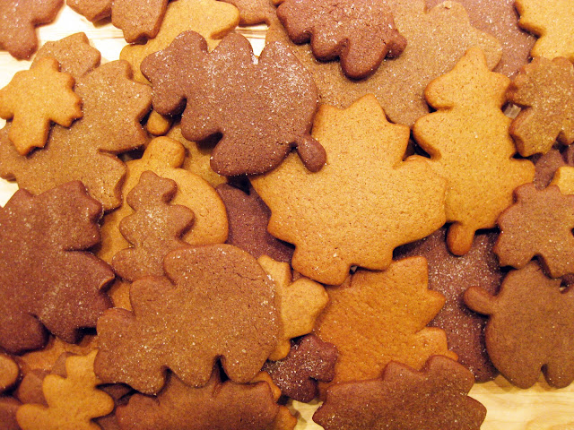 These gingerbread cookies can be made with any gingerbread cookie recipe. They make a great fall dessert!
