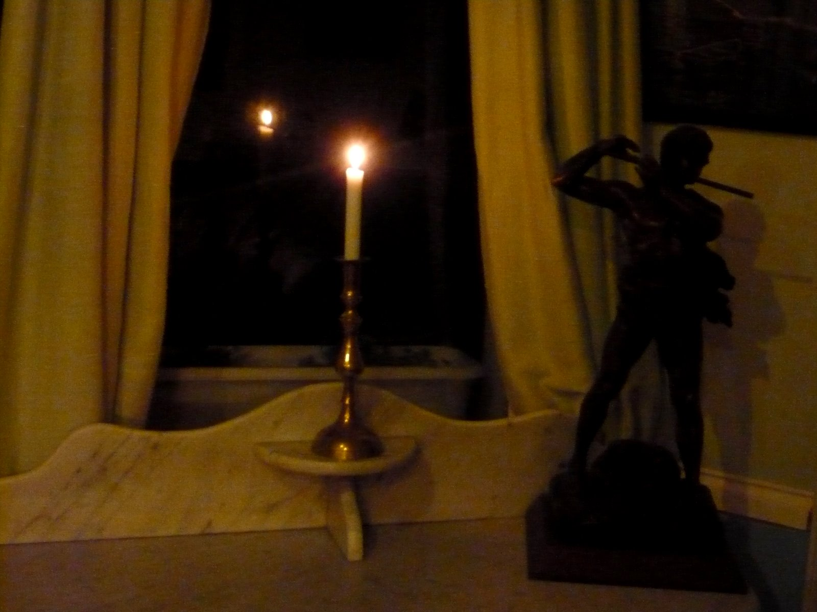 call me ishmael evensong put a candle in the window posted by call me ishmael at 23 56