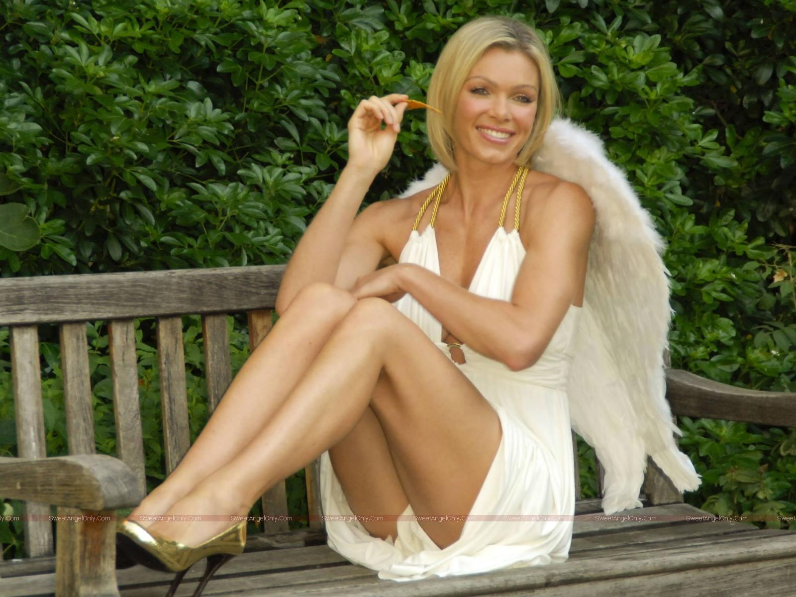 Hot Nell McAndrew nudes (87 photos), Pussy, Cleavage, Feet, swimsuit 2006