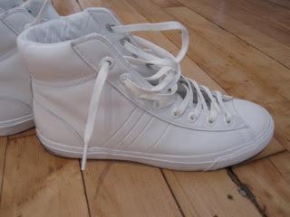White keds sneaker fetish