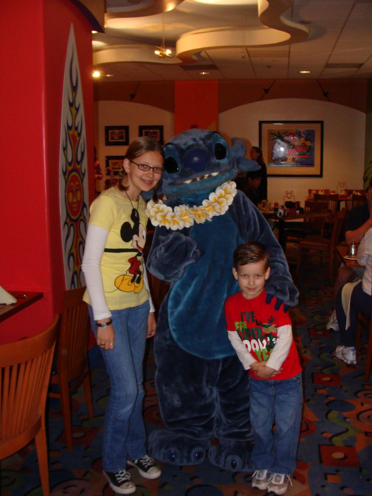 Candid Hansen Family Christmas At Disneyland
