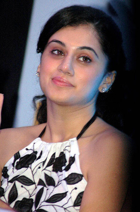 tapsee in white skin at kalamandir foundation actress pics