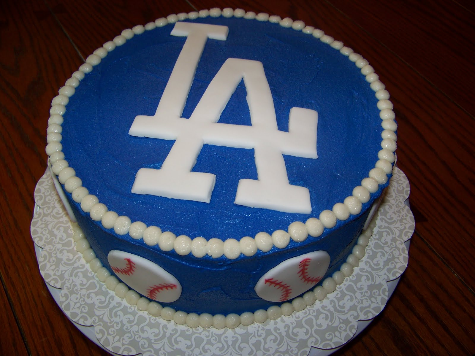 Plumeria Cake Studio Dodger Cake