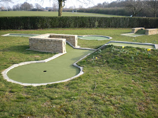 Photo of the Minigolf course in Motspur Park, London