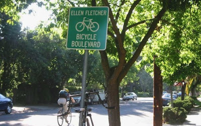 Image of bike sign on Ellen Fletcher Bike Boulevard in Palo Alto
