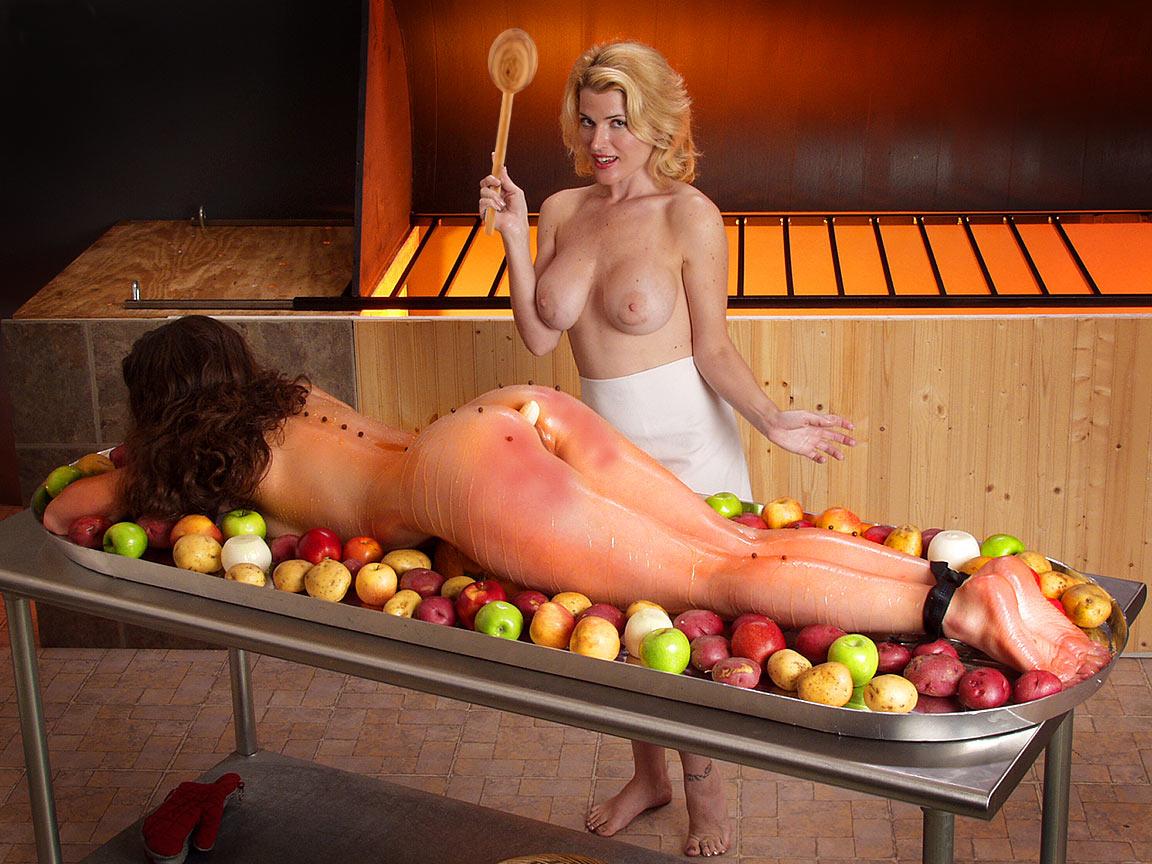 Красивую голую девушку жарят фото