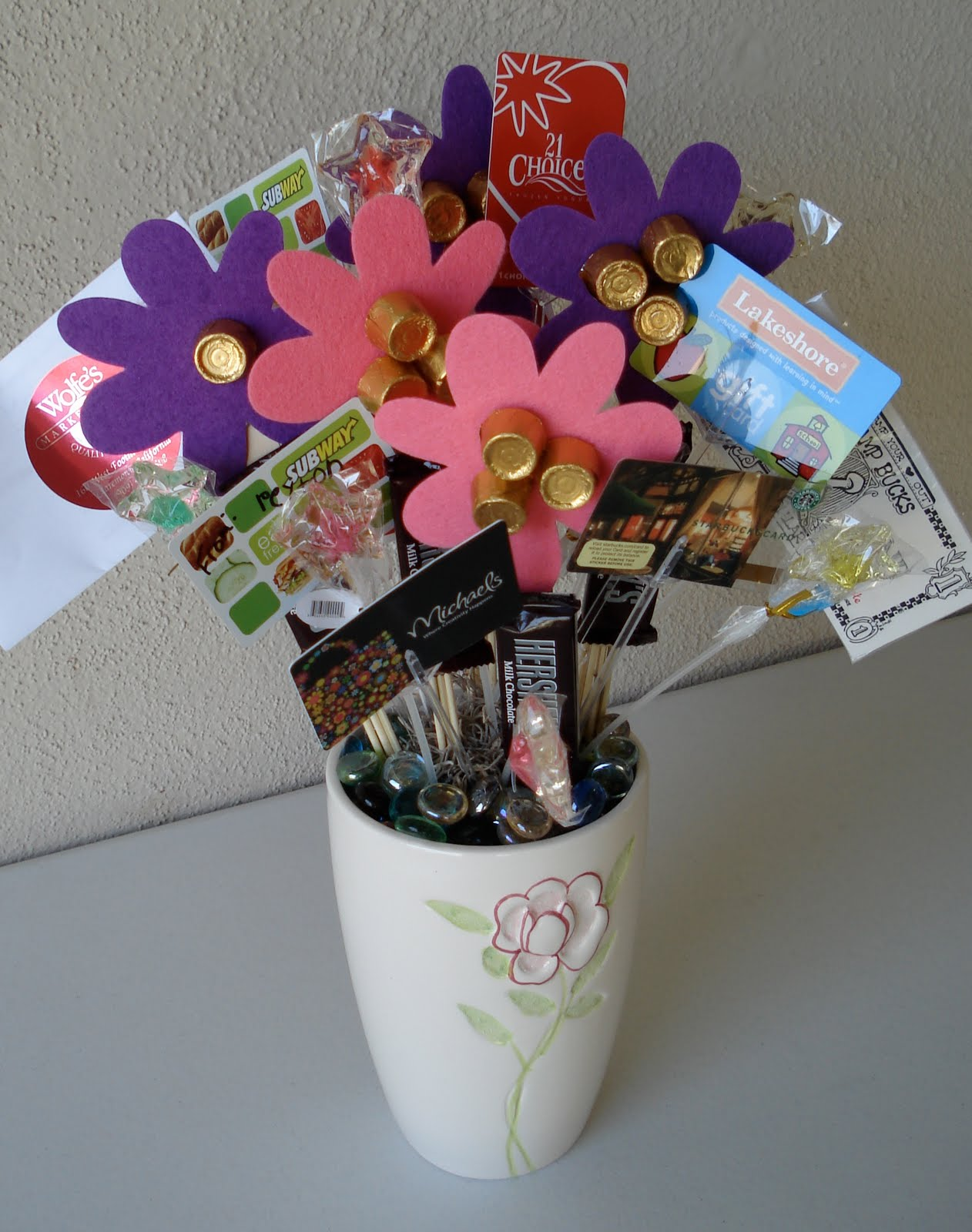 Front Row Friends: Gift Card Bouquet!