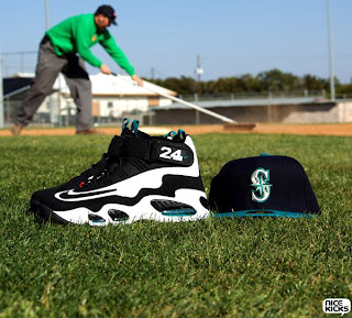 promo code b943e 677a5 Nike is bringing back the classic Nike Air Griffey Max 1 sneakers. Ken  Griffey Jr. wore a number of Nike cross trainers and cleats over his young  career, ...