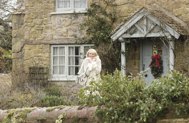 few yummy scenes / eye candy of the English cottage from 39;The Holiday