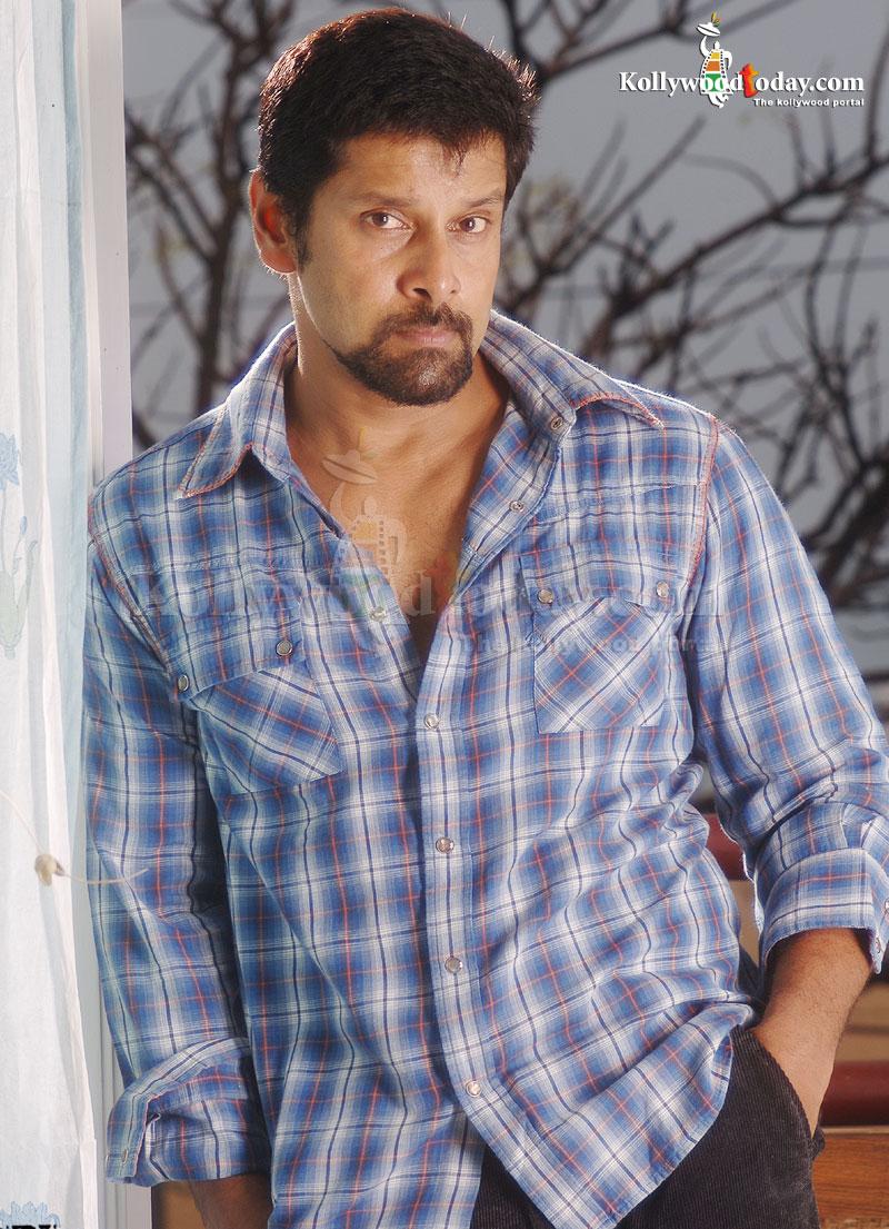 Actor Chiyaa Vikram Latest Photos  Actor Chiyaa Vi...