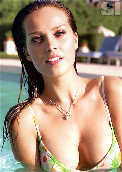 Gisele Nude Photos