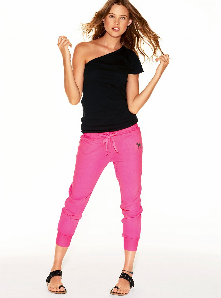 Behati Prinsloo (Victoria's Secret PINK 2011) - Models ...