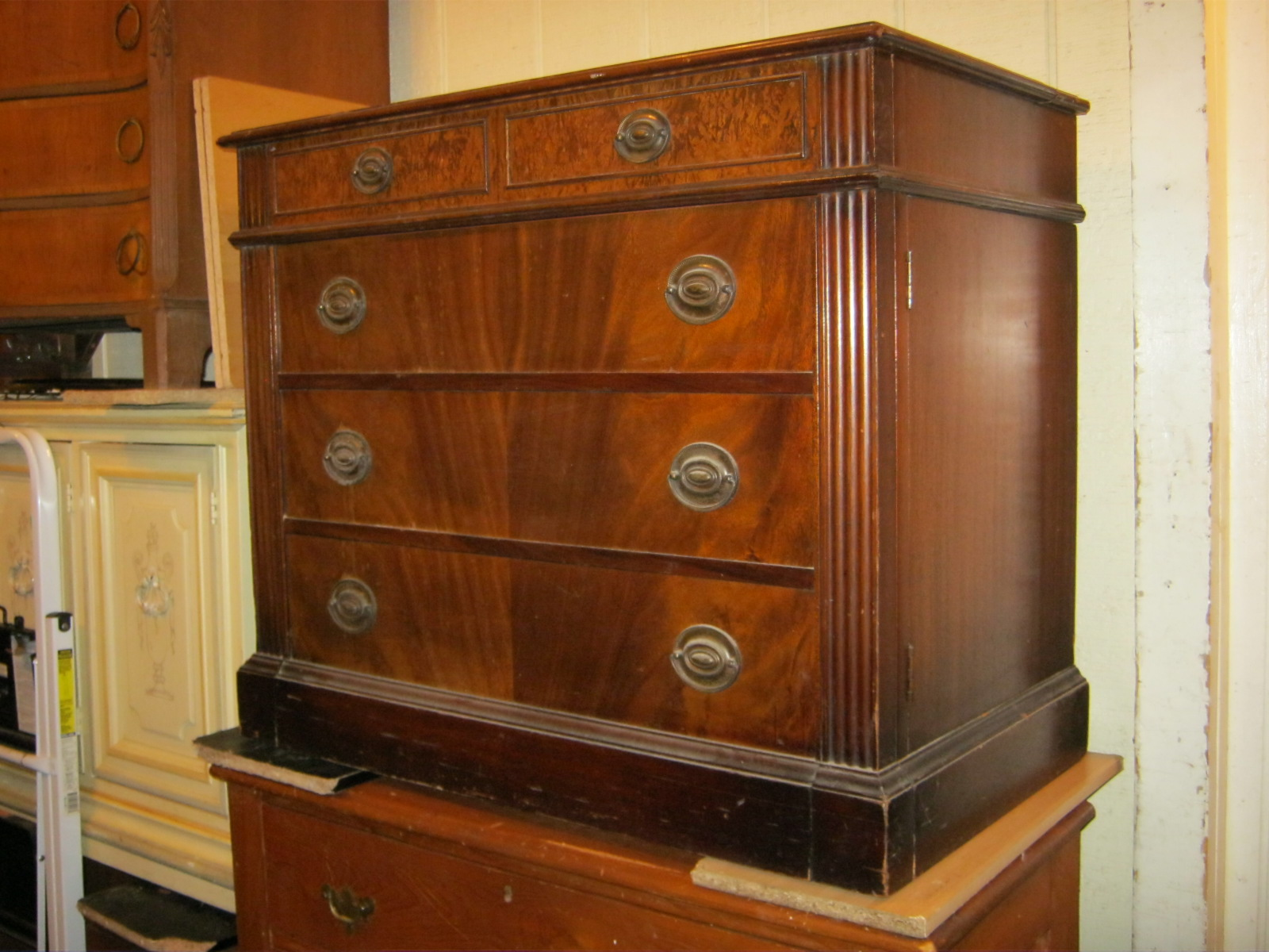 Uhuru Furniture Amp Collectibles Mahogany Cabinet That Is