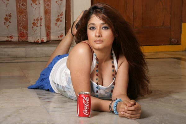 Movie Hot Photos: Kiran Rathide Hot Pics