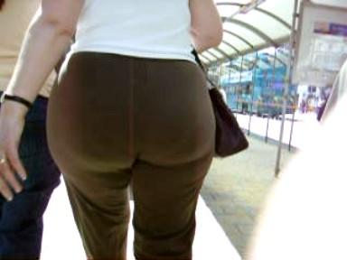 my mom has big booty