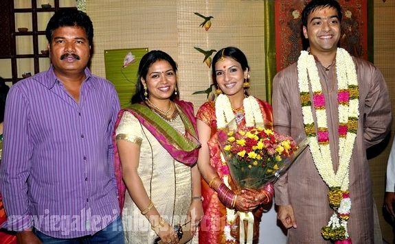 Soundarya Rajinikanth Engagement shankar and family