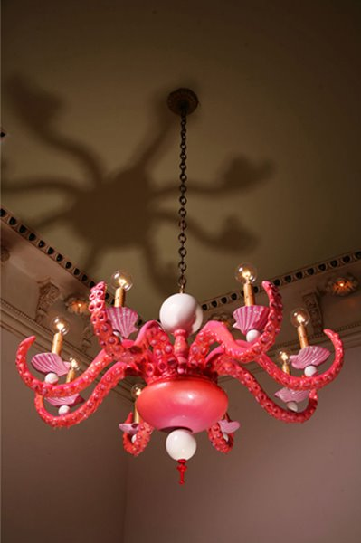 Lampadari biomorficamente barocchi designer Adam Wallacavage