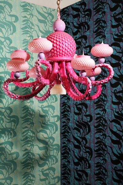 lampadari barocchi : Lampadari biomorficamente barocchi designer Adam Wallacavage