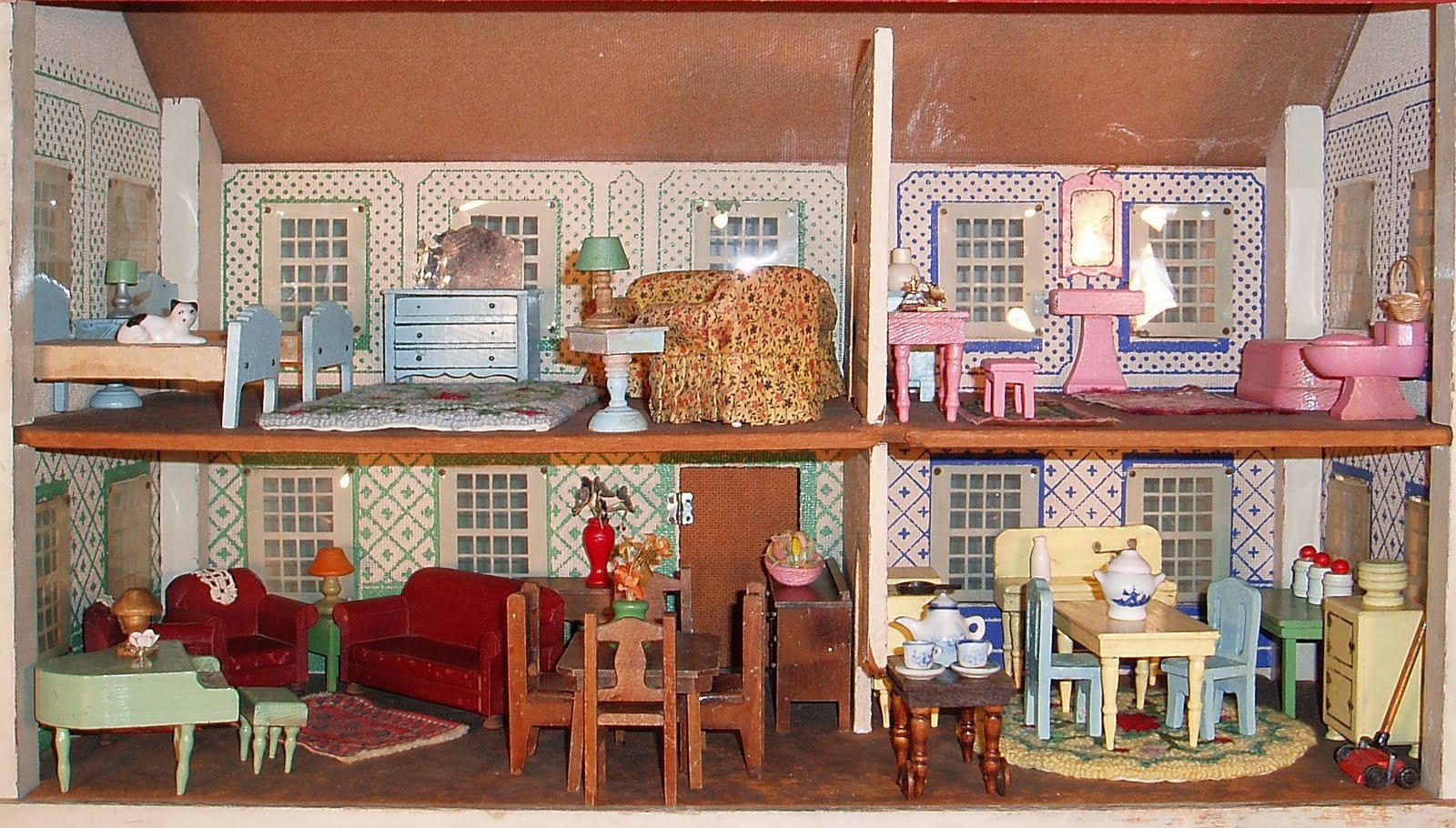 Schoenhutu0027s First Dollhouses Were Produced In 1917, But They Didnu0027t Start  Manufacturing Dollhouse Furniture Until 1928. Although They Made Dollhouse  ...