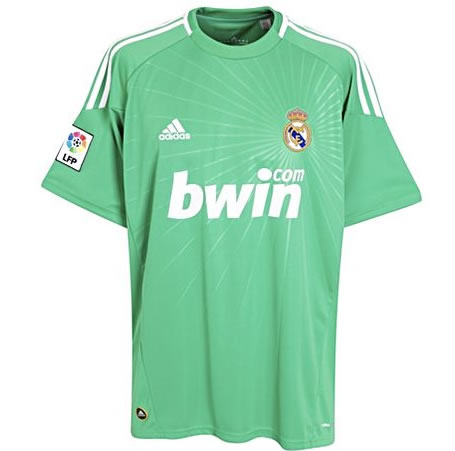 612d98cc2 Real Madrid Zone  Real Madrid 2010 2011 Shirts - Kit - Jersey (Photo ...