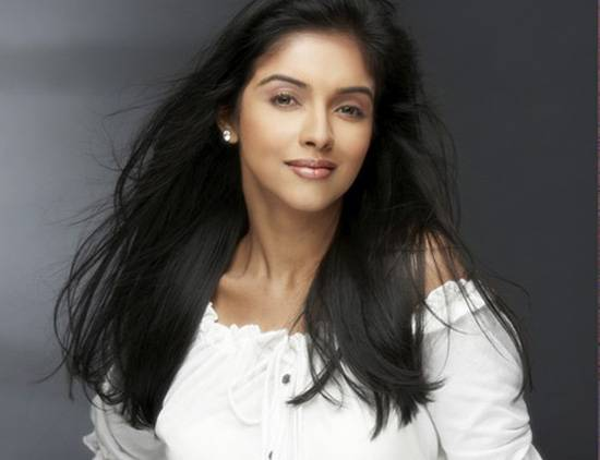 Tollywood Hot Actress Asin Sexy Photos, Pics, Stills, HD Wallpapers Gallery.