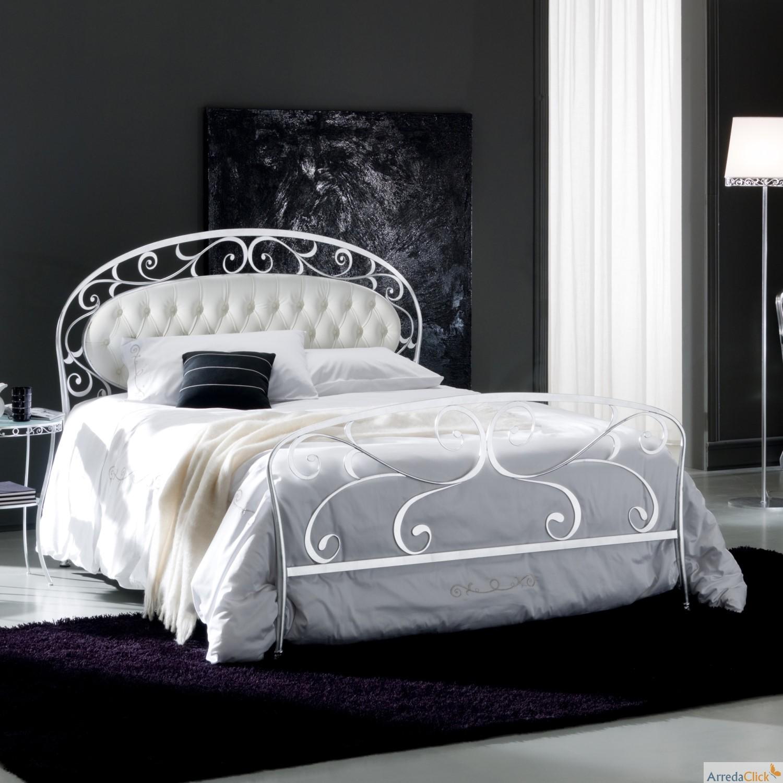 arredaclick mobilier italien un lit de conte de f es. Black Bedroom Furniture Sets. Home Design Ideas