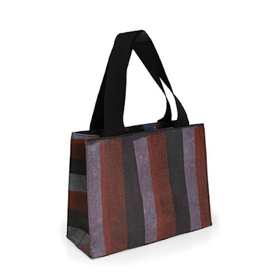 Crafted From The Colorful Plastic Bags That Litter Streets Of New Delhi These Totes Are Made Using A Unique Non Toxic Process Melts
