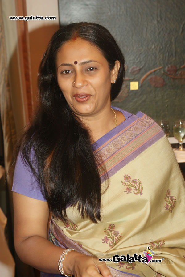 Tollywood Aunties And Actresses Lakshmi Ramakrishnan -8235