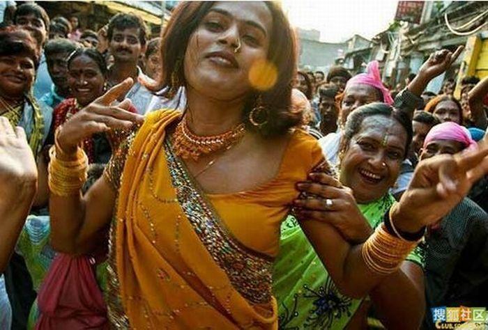The Restless Souldier: Heroism For Hijras: Eunuchs To Join