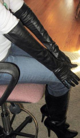 Leather Gloves Fetish 32