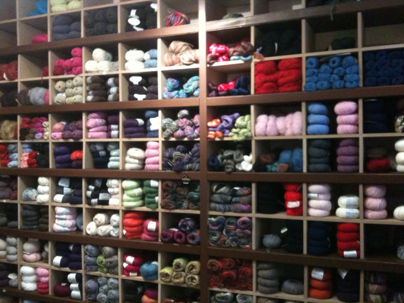the happy life of mommy moogy j 39 ai d couvert pour vous elle tricote paris. Black Bedroom Furniture Sets. Home Design Ideas