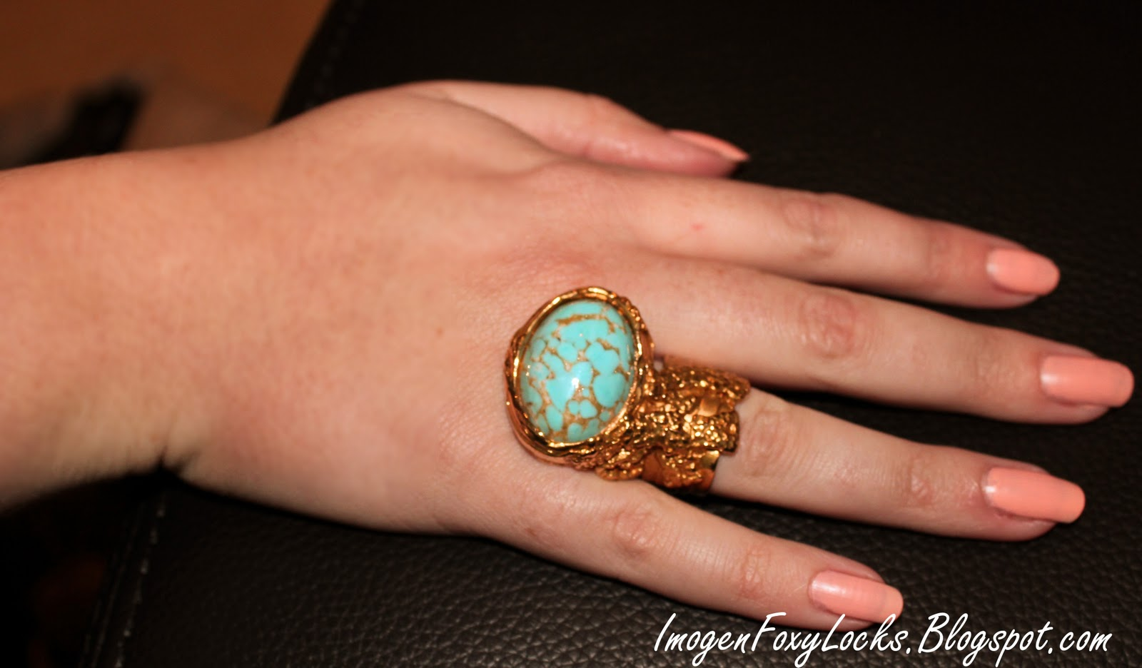 3636091e900e Imogen foxy locks the beautiful ovale arty ring turquoise JPG 1600x936  People with ysl arty ring