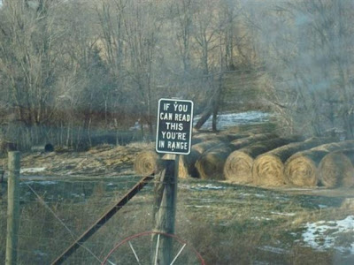 photo of a funny no trespassing sign