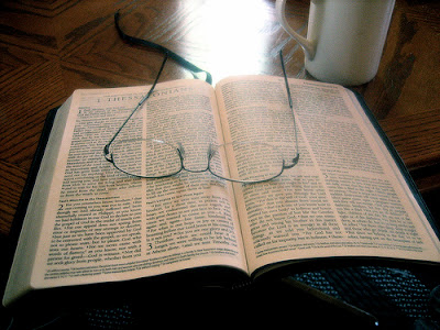 https://i1.wp.com/3.bp.blogspot.com/_lVvM5tfzc3w/R3gGfhASm8I/AAAAAAAABio/nn8DBY2Q19k/s400/Bible+study.jpg
