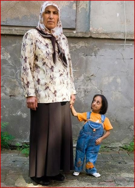 Today World News Worlds Smallest Woman Hatice Achieves The Tallest
